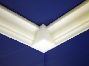Foam Crown Molding With Corner Block